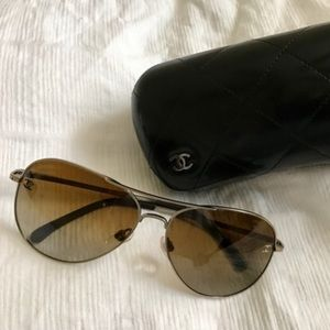 CHANEL Polarized Aviator Sunglasses